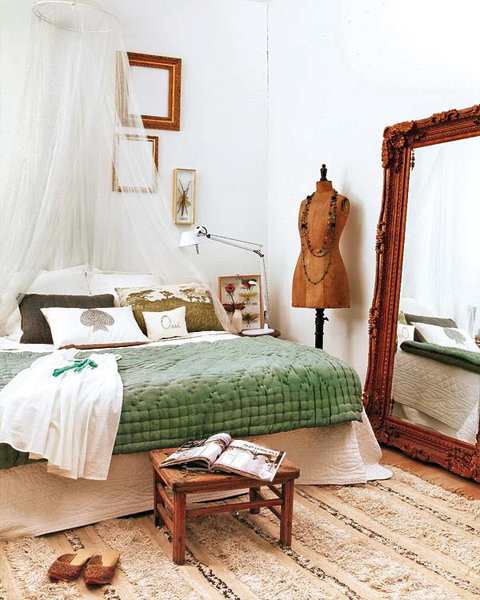 white-green-wood-bedroom