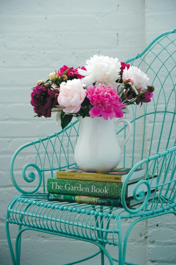 chair-books-peonies-pink-white-dark-red