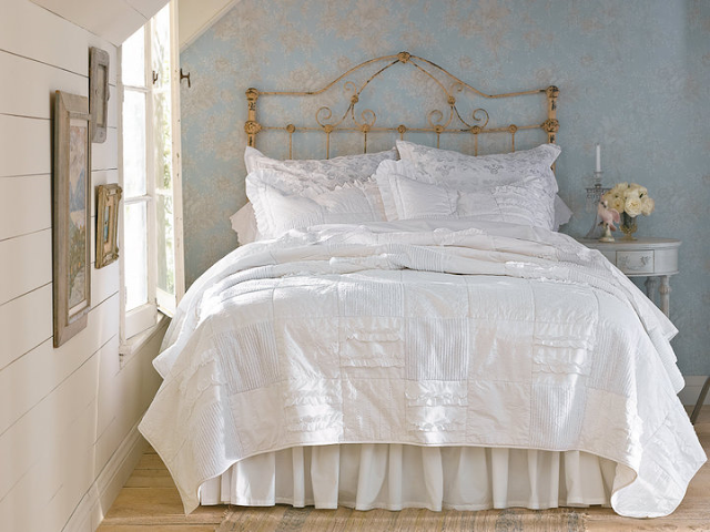 cover-shabby-chic-bed-beautiful-window