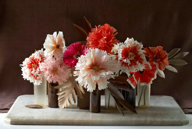 paper-flowers-styling-green-vase