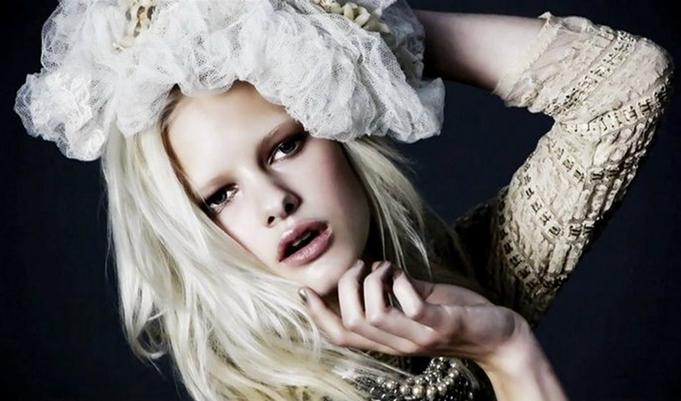beautiful-make-up-girl-artist