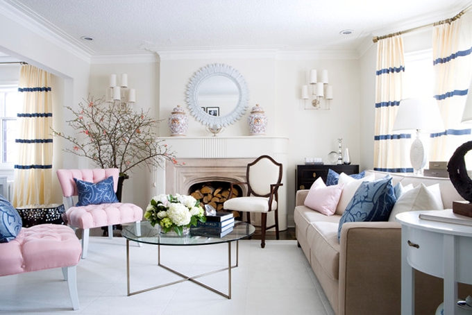 lovely-cute-living-room-pink-chairs