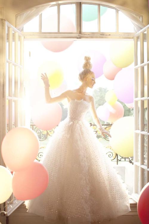 princess-and-balloons