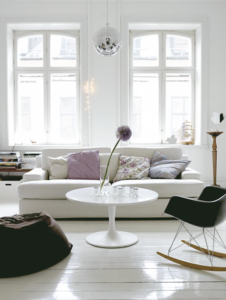 lovely-family-room