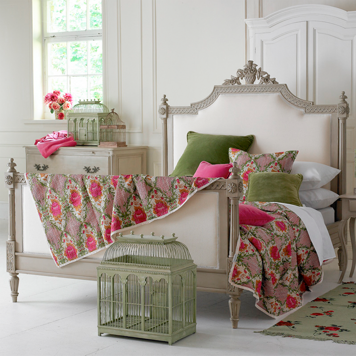 The most beautiful beds in the world for Pretty bedroom accessories