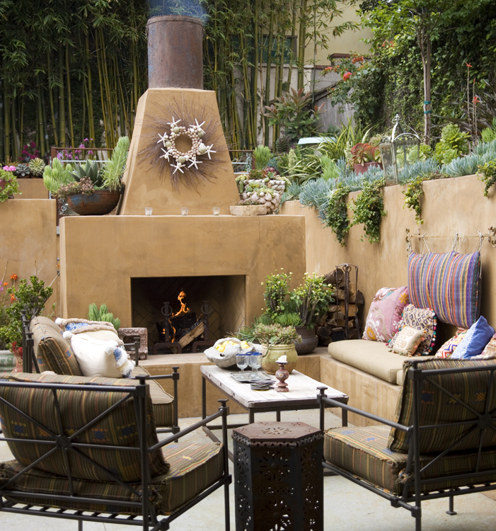 Wonderful outdoor space by sandy koepke - Fuentes para terrazas pequenas ...