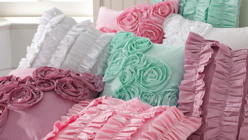 cover-images-ruffled-pillows