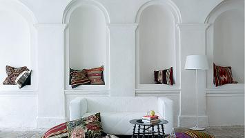 pretty-kilim-pillows