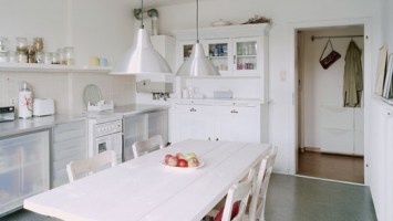 a-beautiful-kitchen-to-die-for