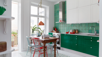kitchen-in-white-and-green