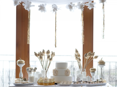 79ideas-white-and-gold-sweet-table