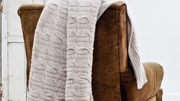 79ideas-cozy-chair-knitting