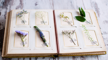 79ideas-book-with-flowers