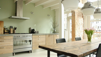 79ideas_rotterdam_kitchen_raw_wood_green_walls