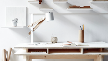 79ideas_white_and_wood_workspace