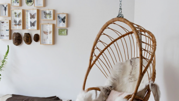 79ideas_bring_these_hanging_chairs_inside