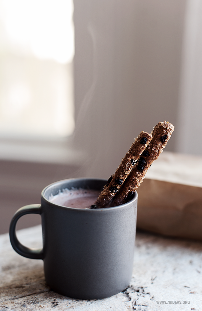 79ideas_hot_cocoa_cinamon_sticks