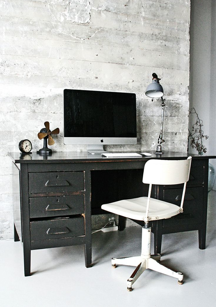 79ideas_concrete_and_industrial_mood_workspace