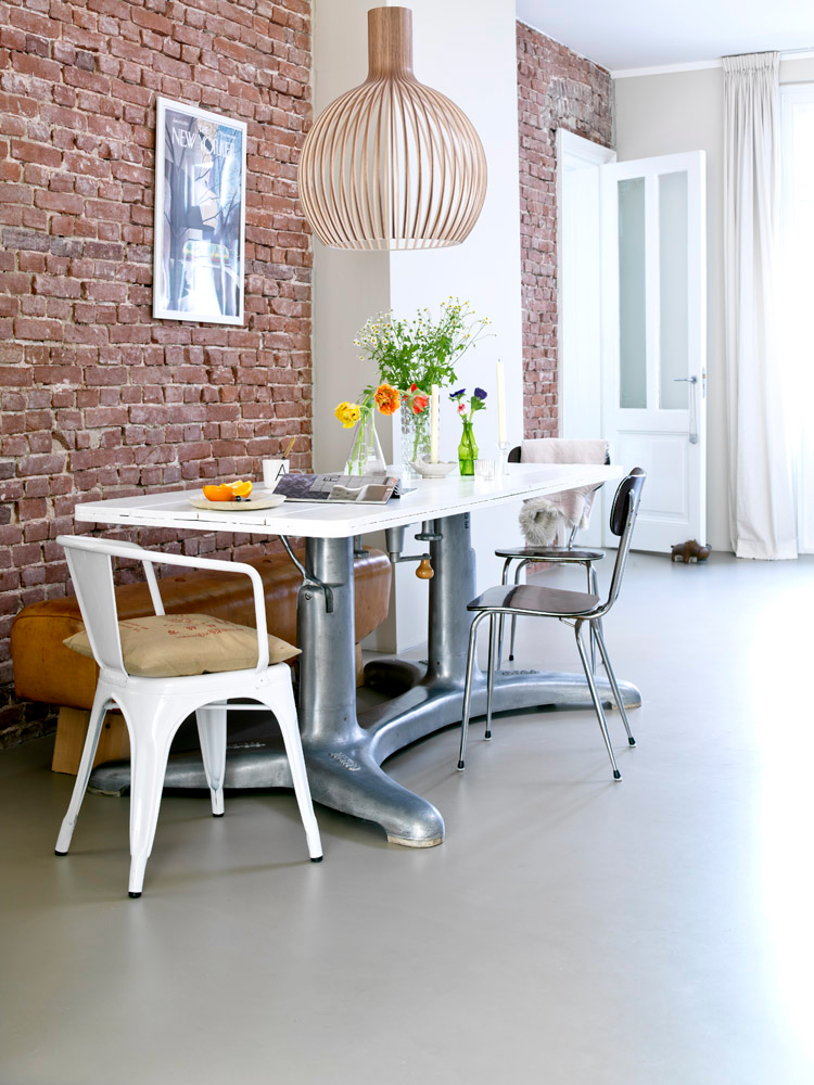 79ideas_dining_area_bricks_urban_apartment