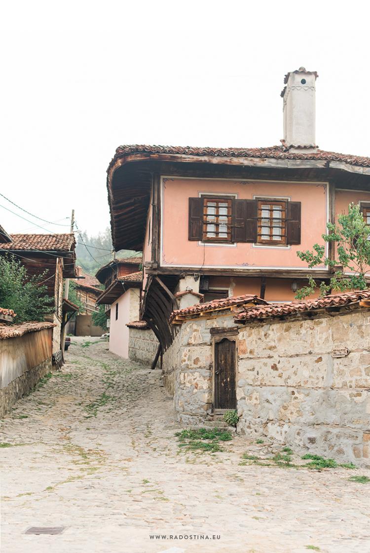 radostina_photography_travel_bulgaria_street